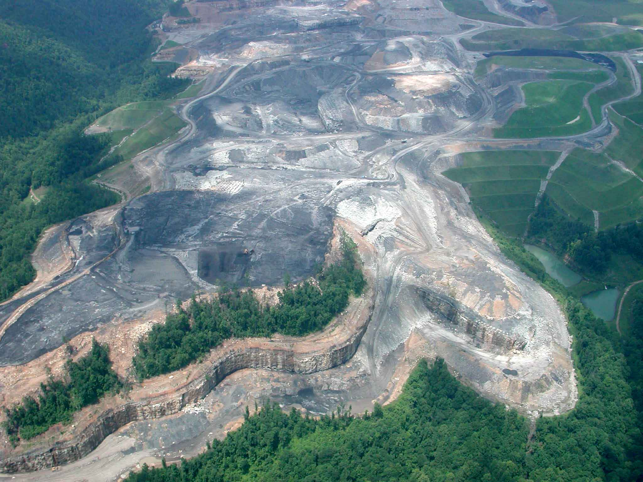 west virginia only produces % of us coal trailing wyoming which because people see these from